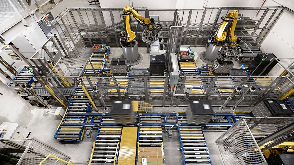 Smaller robots are being increasingly used for the automation of monotonous handling and assembly tasks.